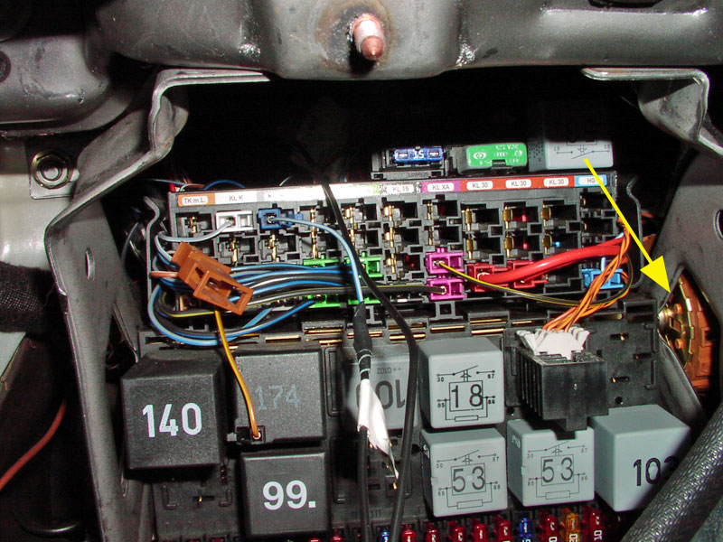 fuse box in skoda fabia image 5